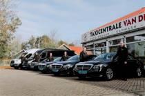 """Taxicentrale van der Bles uit Makkum: """"Altiten kwaliteit leverje"""""""
