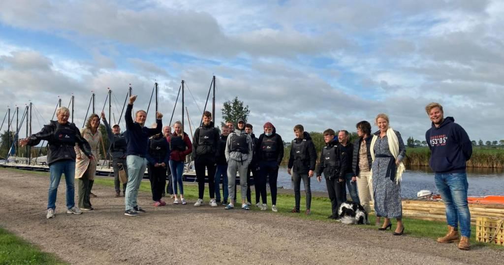 Gedeputeerde Avine Fokkens-Kelder tijdens werkbezoek in Nes