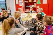 Lida Dykstra in jier langer Berneboeke-ambassadeur Berneboekeskriuwer