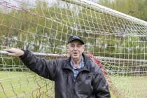 """Kobus Jorna een halve eeuw vrijwilliger bij SV Mulier Witmarsum """"Het is een deel van mij geworden"""""""