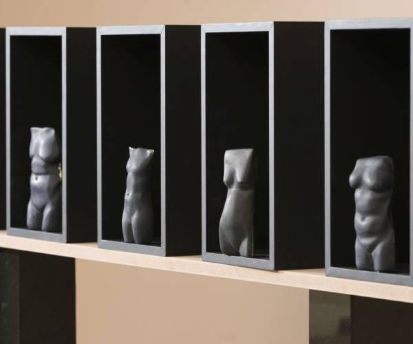 Opening expositie beeldhouwer Herma Bovenkerk in Koudum