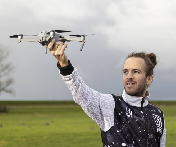 Ewold Kooistra uit Makkum droomt over een combi van reizen en dronefotografie