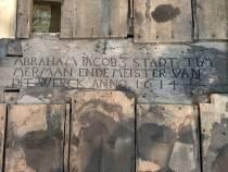 Inscriptie uit 1614 gevonden in voormalig stadhuis Bolsward